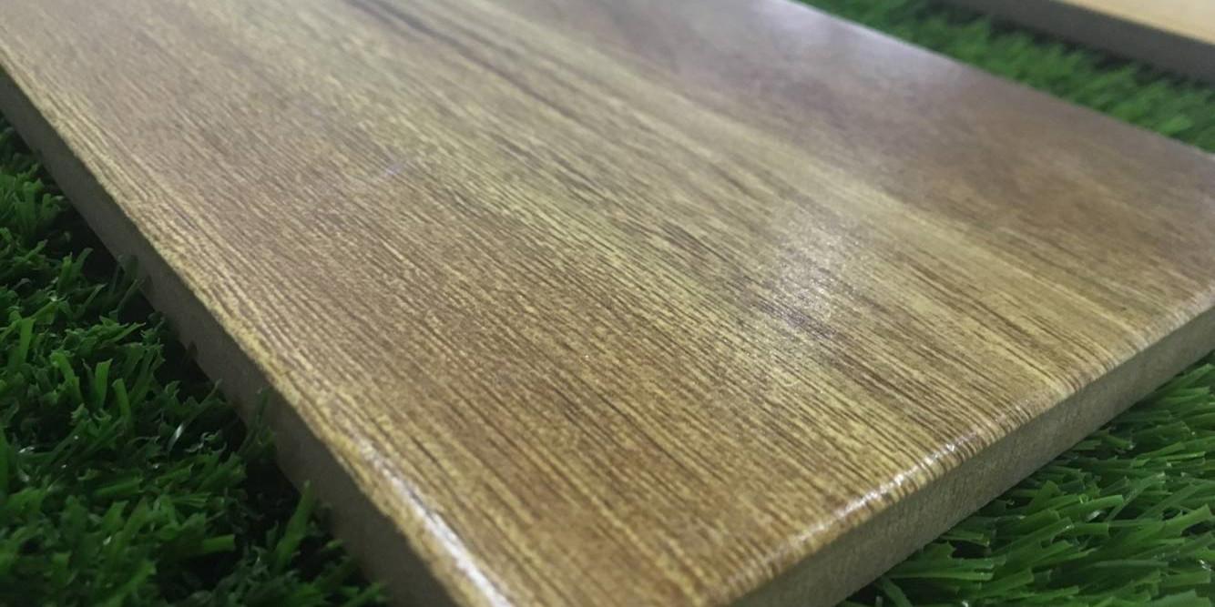 LONGFAVOR glossiness gray tile that looks like wood flooring Super Market-4